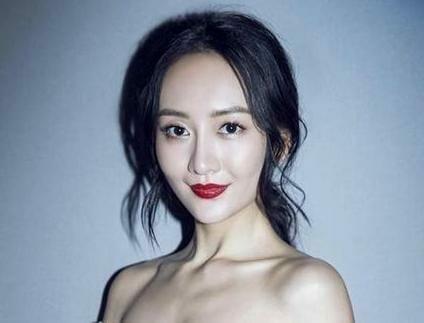 中国女優ワン・オウの彼氏
